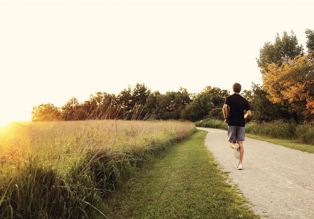 走っただけでは絶対に痩せない!<基礎代謝・ジョギング・タバコの関係>