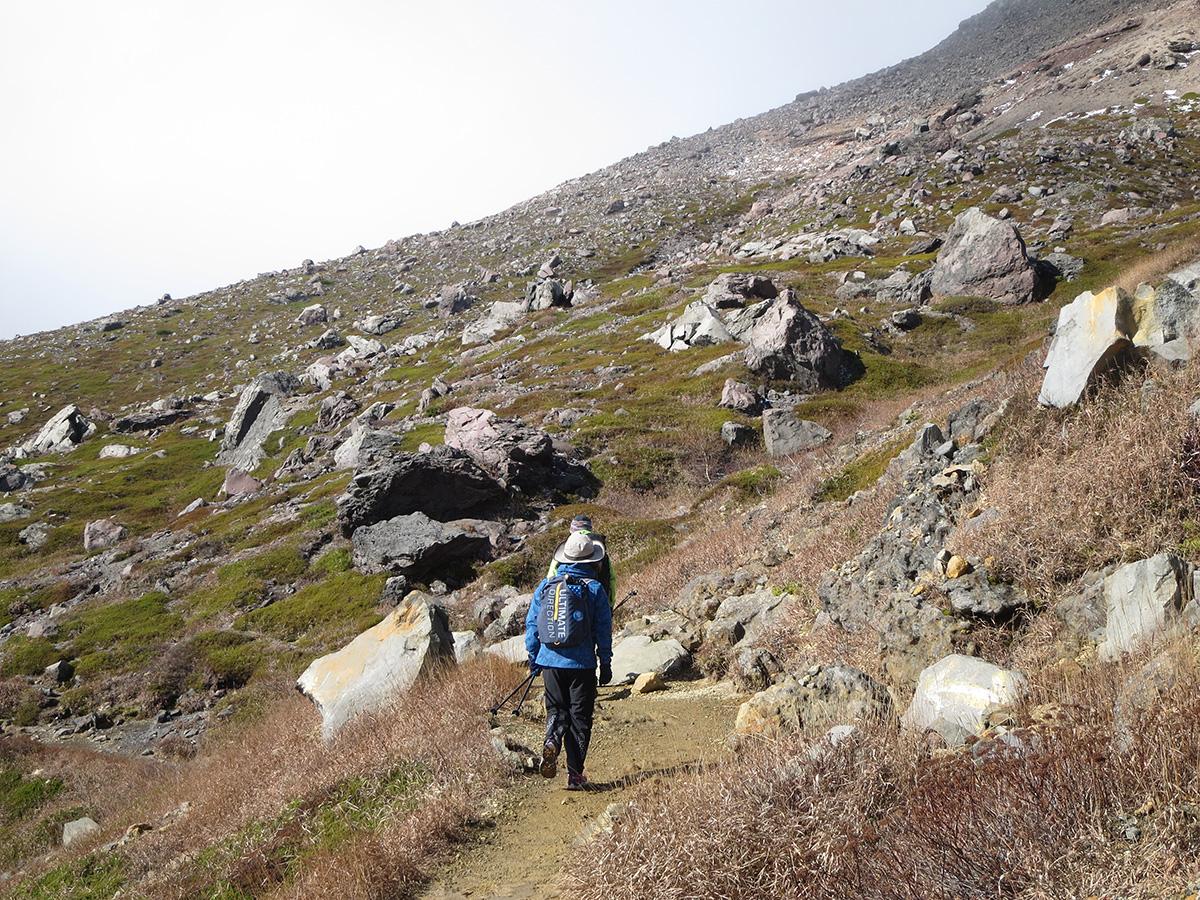 雪と風、紅葉登山をなめてました<11月はじめの那須岳>9