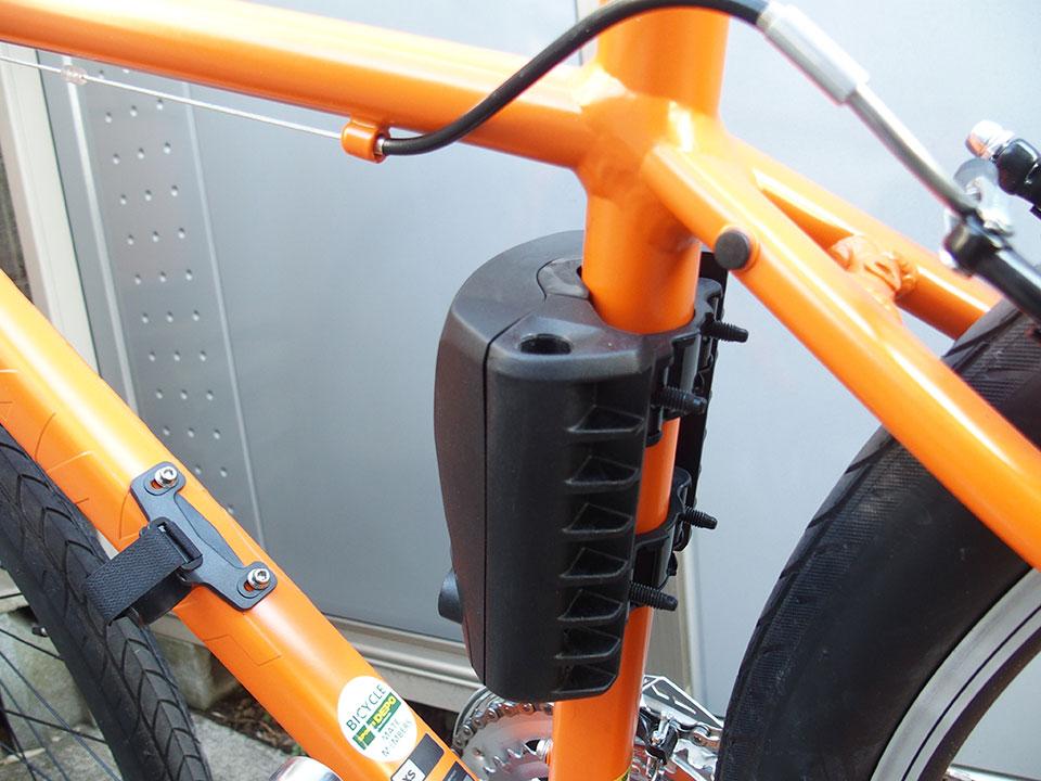 スポーツバイク(クロスバイク)・折り畳み自転車にチャイルドシートを取り付け<THULE(スーリー) Ride Along >5 ジャイアント グラビエ